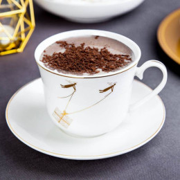 Filiżanka do kawy i herbaty duża,filiżanka jumbo porcelanowa ze spodkiem Boże Narodzenie Altom Design Angel 400 ml