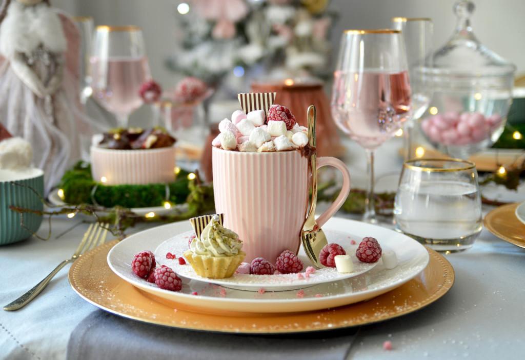 Pastelowe święta z kolekcją Ballerina pudrowy róż, aranżacja stołu Altom Design