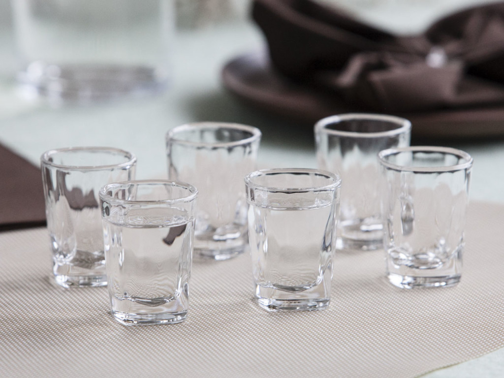 Klasyczne kieliszki do wódki